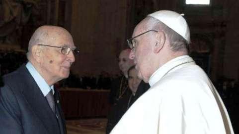 img1024-700_dettaglio2_Napolitano-papa-Francesco-afp