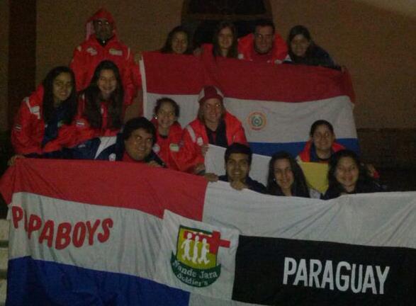 Uno dei molti gruppi dei Papaboys del Paraguay presenti a Rio de Janeiro. Dalla sede nazionale Papaboys della nazione sudamericana sono partiti per il Brasile circa 1.000 giovani