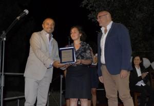 Il giornalista Franco di Mare con il Sindaco di Torrevecchia Teatina Katia Baboro e con il Sindaco di Chieti Di Primio