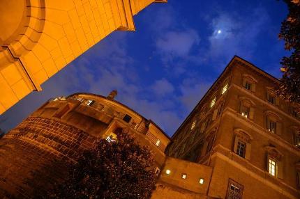 La sede dello Ior, che si trova proprio sotto le finestre dello studio del Pontefice