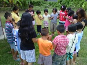 bambini_in_preghiera_ok