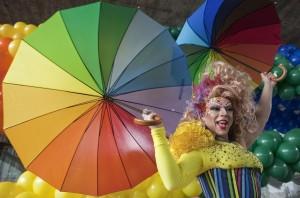 Manifestante al gay pride