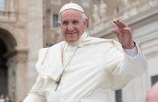 """Papa Francesco: """"Le chiacchiere sono criminali perché uccidono Dio e il prossimo"""""""