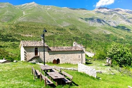 Il Santuario Giovanni Paolo II della Iena (L'Aquila)