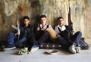 Bambini turchi reclutati per combattere in Siria.