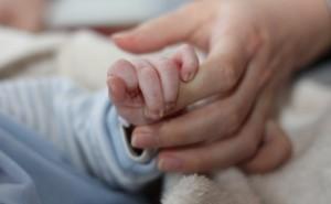 """I genitori in Belgio per """"motivi umanitari"""" possono chiedere l'eutanasia per i minori."""