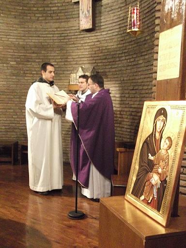 Un momento della Celebrazione Eucaristica di questa mattina alle ore 6