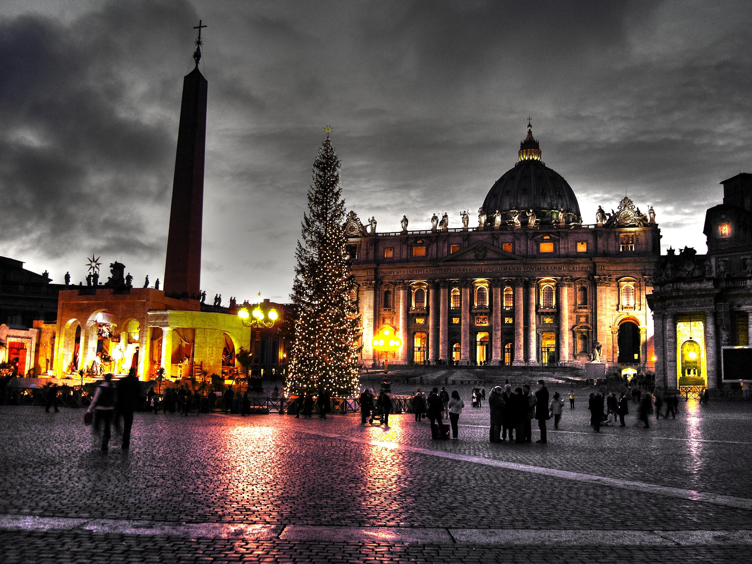 Veglia in piazza san pietro per il nuovo anno - Mercatino di natale piazza mazzini roma ...