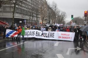 Alcuni momenti della manifestazione francese nel giorno