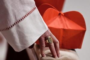Particolare dell'anello Cardinalizio.
