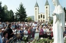 Medjugorje, piazzale antistante la Chiesa.