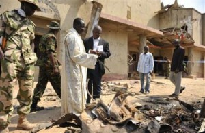 Preghiera per i defunti dopo  un attacco in Nigeria.