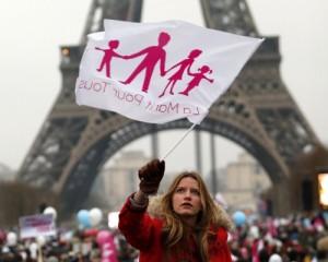 Manifestazione a Parigi, a favore del matrimonio naturale.