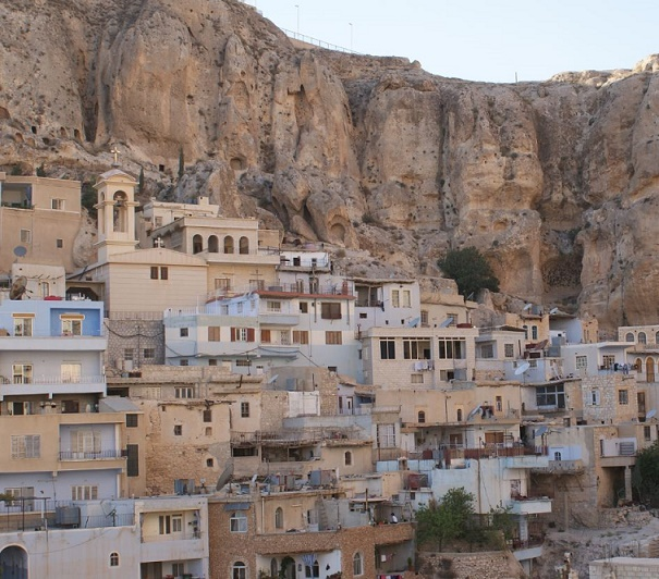 Siria-Panorama-del-villaggio-di-Malula
