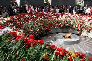 Memoriale di Tzitzernakaberd, in ricordo di tutti gli Armeni trucidati nel genocidio.