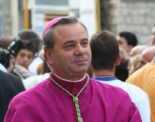 foto vescovo bis