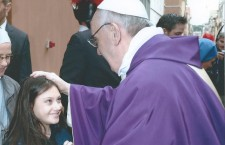 Virginia, 11 anni e canta per Papa Francesco