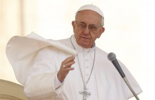 Papa Francesco all'Udienza: 'matrimonio icona dell'Amore di Dio con noi'