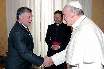 Papa Francesco incontra il re di Giordania Abdullah II e la regina Rania