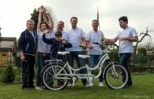 In dono a Papa Francesco la bicicletta 'degli abbracci'