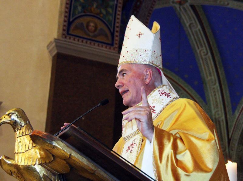 come si saluta il vescovo