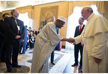 Papa Francesco inaccettabile la persecuzione a causa della fede