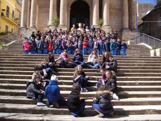 I-bambini-del-Santissimo-Redentore-sul-sagrato