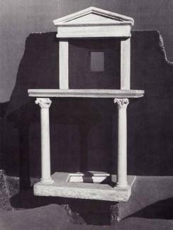 """Ricostruzione del """"trofeo"""" di San Pietro."""
