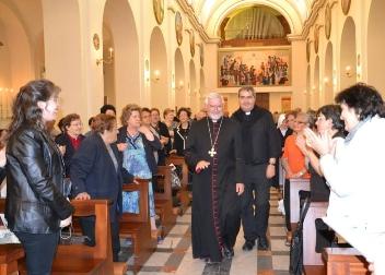 vescovo Bregantini e parroco don rocco di filippo