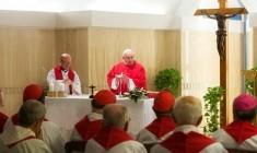 Papa Francesco: se non si è vicini alla gente e non si dà speranza, le prediche non servono
