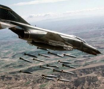 Siria. Ampliati raid Usa. Mons. Zenari: serve azione politica
