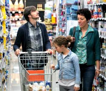Codacons: -3.300 euro di consumi a famiglia