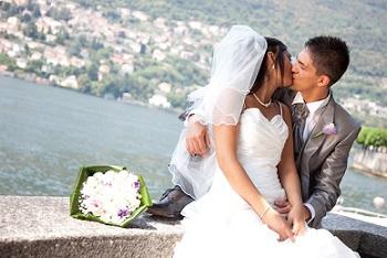 088-Bacio-sposi-a-Torno