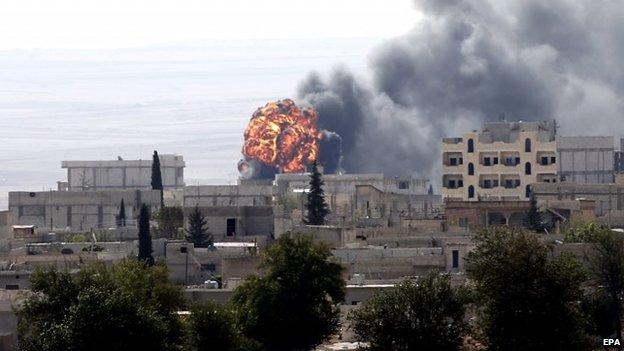 colpi di mortaio sulla città di Kobane