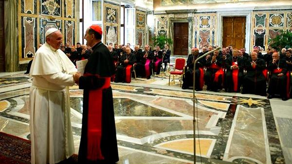Il Papa: vescovi vigilino su vocazioni per il bene del popolo di Dio