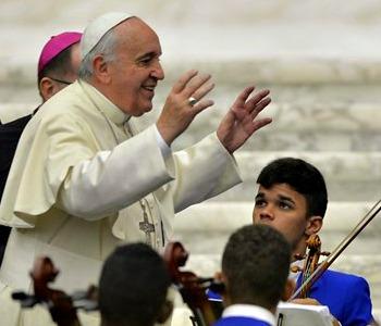 Il Papa ai carismatici: l'unità non è uniformità ma neanche perdere identità