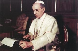 Pio-XII-scrive-2