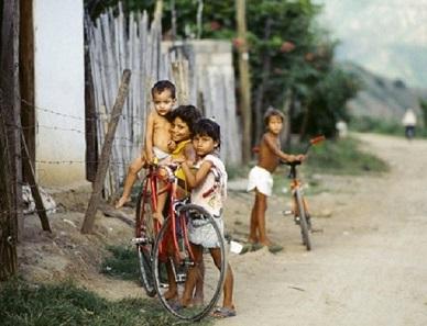 bambini-sudamerica (1)