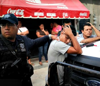 Sono morti, bruciati vivi, uccisi dai narcos, i 43 studenti messicani scomparsi il 26 settembre scorso a Iguala, nello Stato meridionale di Guerrero.