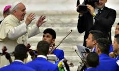Papa Francesco ai carismatici: l'unità non è uniformità ma neanche perdere identità