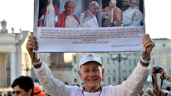 La gioia dei fedeli per il Beato Paolo VI, un Papa sempre attuale