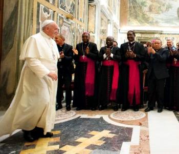 Il Papa: lavoro è diritto di tutti, non variabile dei mercati