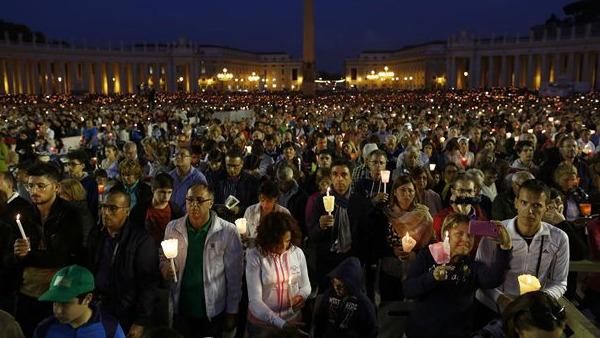 veglia per il Sinodo della Famiglia in Piazza San Pietro
