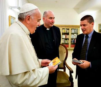 Consegnato al Papa CD della Deutsche Grammophon con musiche della Sistina