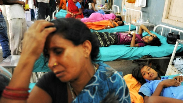 Vescovo indiano: Devastante la morte di otto donne per colpa di sterilizzazioni ''forzate''