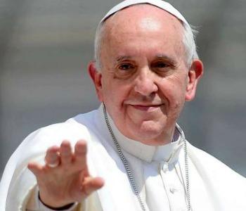 Papa Francesco alla Cei: non servono preti clericali o funzionari