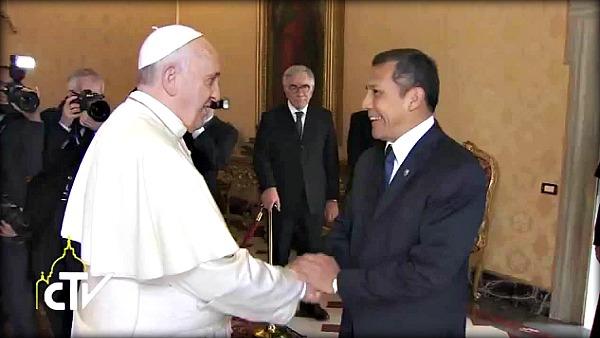 Papa Francesco ha incontrato stamani in Vaticano il presidente della Repubblica del Perù, Ollanta Moisés Humala Tasso. Entrambi hanno sottolineato le buone relazioni tra gli Stati.