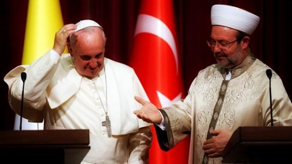 Papa Francesco alla Diyanet: La violenza che cerca una giustificazione religiosa merita la più forte condanna