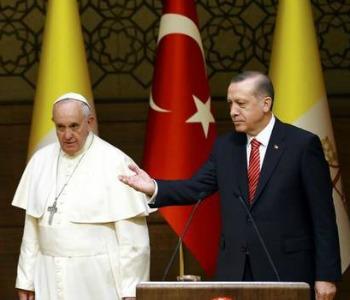 Papa Francesco ad Ankara: diritti e libertà religiosa per tutti, base per la pace