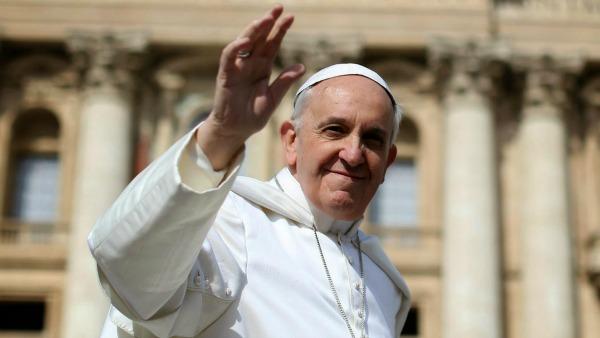 Papa Francesco dona 200mila euro per pagare le bollette degli insolventi